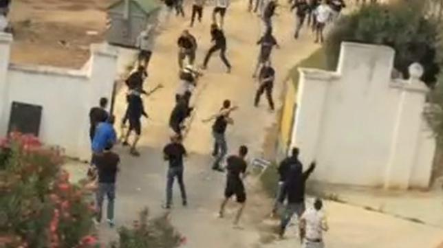 Imagen de los altercados entre radicales del Cádiz CF y del Xerez de la pasada temporada