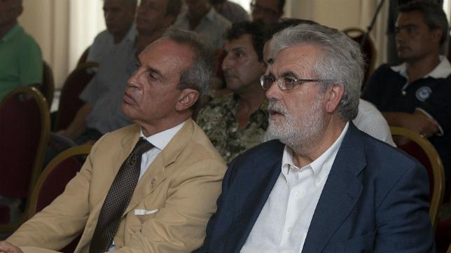 Gabriele de Bono y Florentino Manzano, en una junta de accionistas.