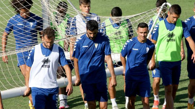 El Cádiz CF tiene dos salidas y tres partidos en Carranza en noviembre.