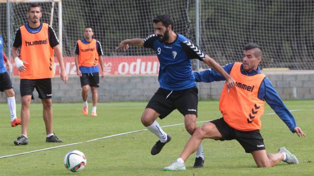 Güiza, Garrido y Josete tienen muchas posibilidades de jugar en Linares.