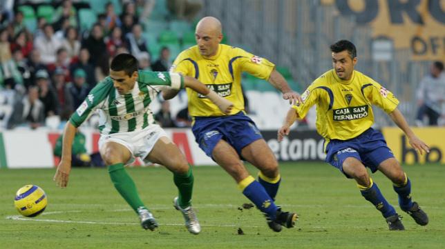 Juanito, con la camiseta del Betis en el partido ante el Cádiz CF.