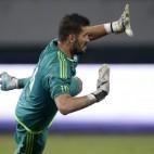 Kiko Casilla, en un partido de pretemporada con el Real Madrid.