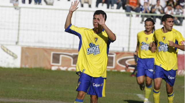 Carlos Caballero pide perdón por sus dos goles al Linares con el  Cádiz CF