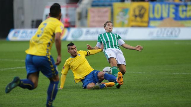 Josete en el duelo del Cádiz CF ante el Betis B