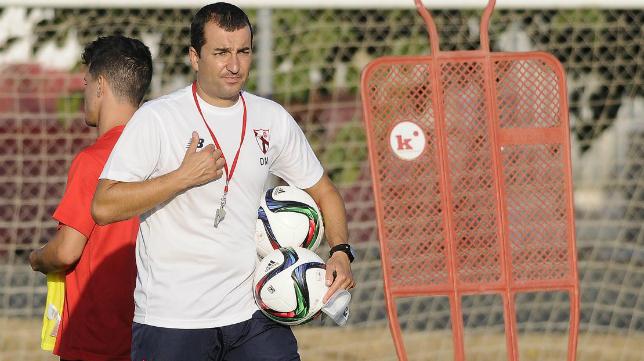 Diego Martínez, entrenador del Sevilla Atlético.