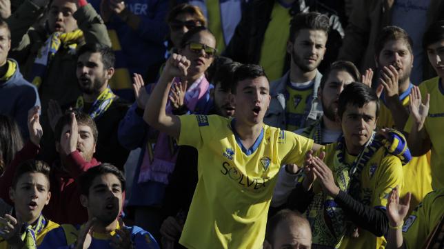 La afición del Cádiz en Sevilla