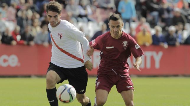 Álvaro García, en el partido ante el Sevilla Atlético.