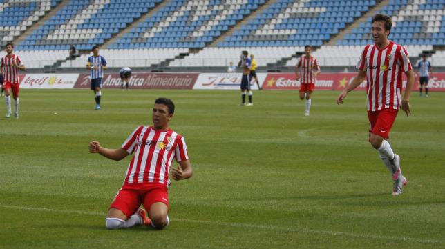 Hicham celebra uno de los cuatro goles que lleva este curso en el Juegos Mediterráneos de Almería.