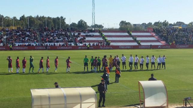 Sevilla Atlético y Cádiz CF en la ciudad deportiva sevillana.