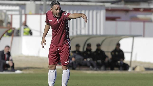 Abel Gómez ante el Sevilla Atlético