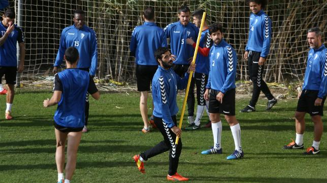 Güiza podría volver hoy al once titular del Cádiz CF