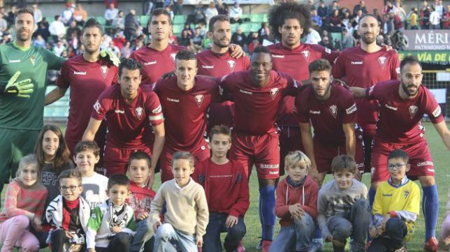 Once titular del Cádiz CF en Mérida