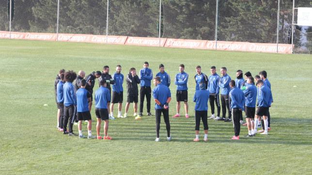 Los jugadores del Cádiz CF vuelven al trabajo.