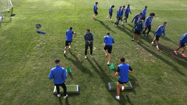 Entrenamiento del Cádiz en El Rosal