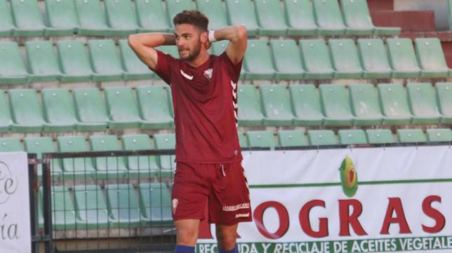 Lolo Plá marcó el gol del Cádiz CF en el estadio Romano de Mérida