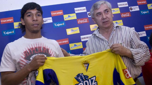 Mariño, el fichaje estrella que Antonio Muñoz realizó solo en el caso de seguir en Segunda A.