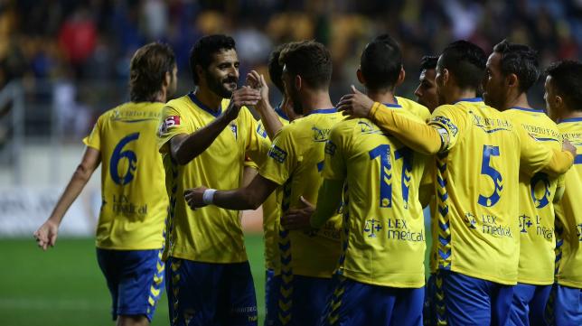 El Cádiz CF quiere acabar la jornada más cerca del liderato