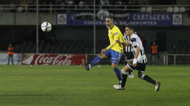 Abel Gómez en un lance del partido ante el Cartagena