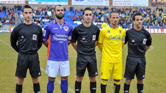 El madrileño Villoria Linacero arbitró al Cádiz CF en Guadalajara en la temporada 2013/2014