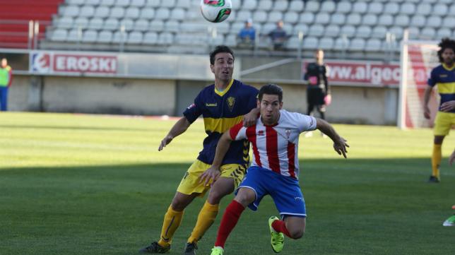 Jandro en un lance del partido ante el Algeciras