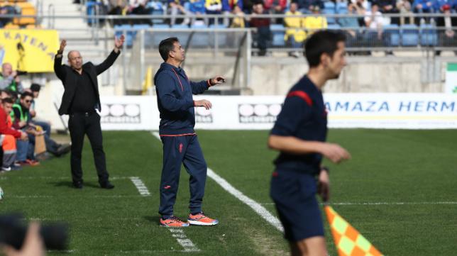 Campos y Claudio, en un momento del partido de hoy.