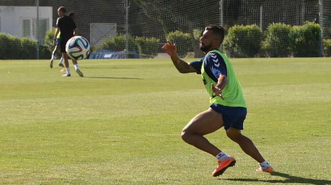 Cristian Márquez, en un entrenamiento con el Cádiz CF.