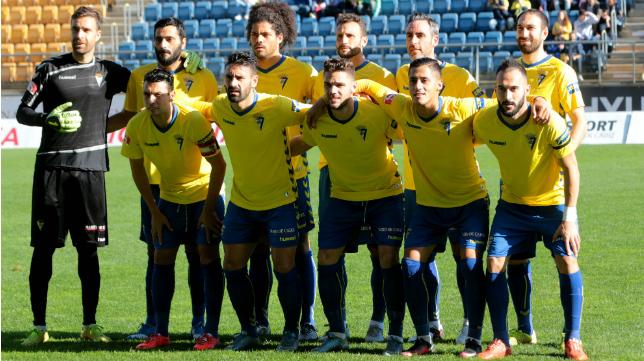 Once inicial del Cádiz CF ante el Real Jaén.