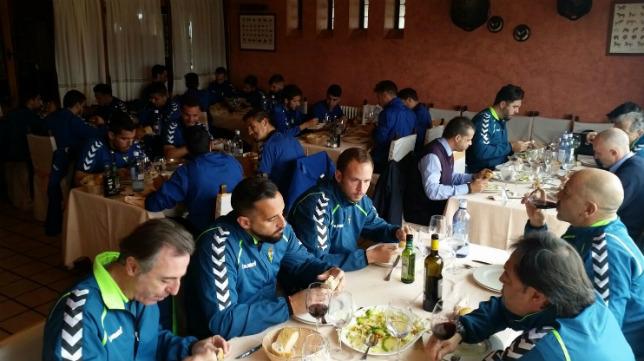 En estos momentos, el Cádiz CF almuerza en Salamanca. CCF