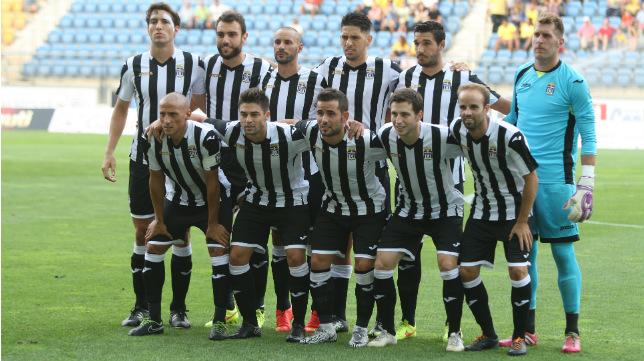El once del Cartagena en el Ramón de Carranza, bien distinto al que se enfrentará a los amarillos en la segunda vuelta.