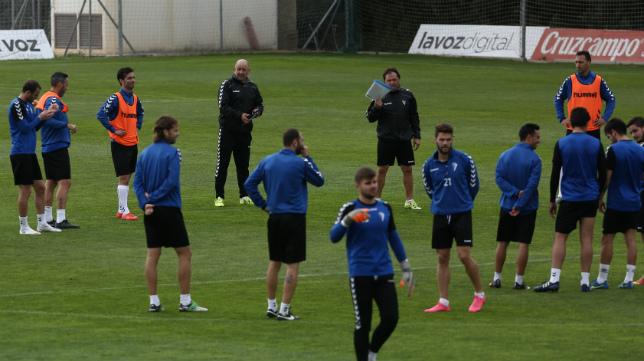 El Cádiz CF retomará mañana los entrenamientos en El Rosal
