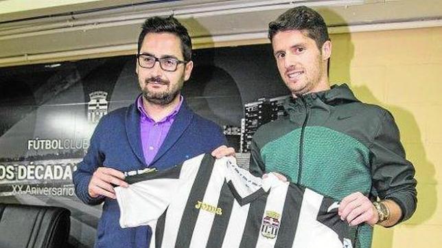 Carlos Indiano presentado como nuevo jugador del Cartagena (LA VERDAD)