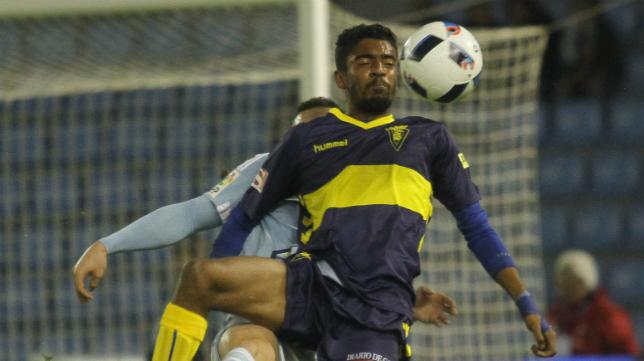 El canterano Ramón  ya jugó en Vigo.