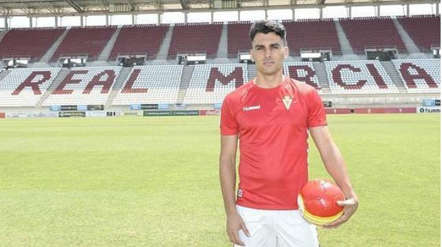 Chavero ha cumplido su sanción y estará disponible ante el Cádiz CF. / Foto: La Verdad.
