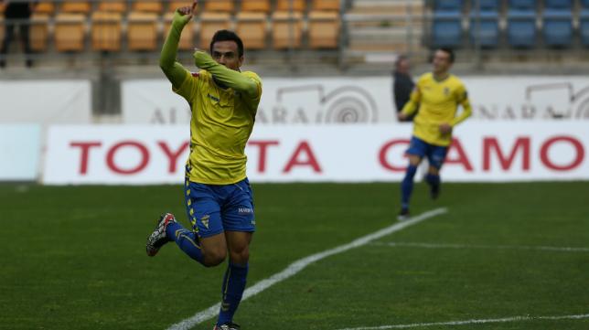 Álvaro García fue el autor del gol del empate del Cádiz CF ante La Hoya