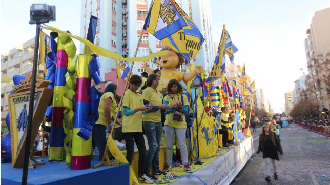 La carroza del Cádiz CF en la Cabalgata Magna del Carnaval.