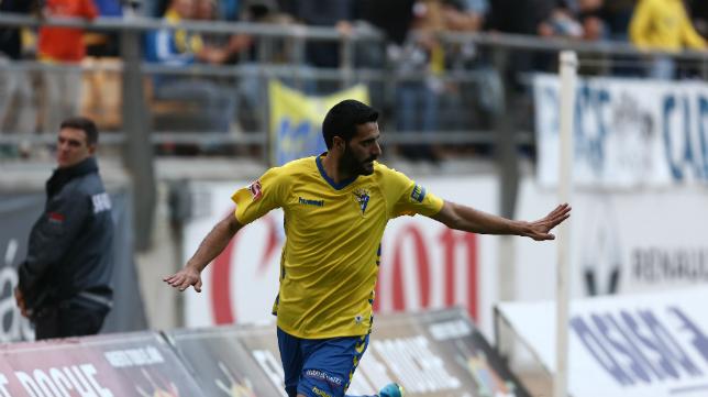 Güiza celebra su último gol en Carranza