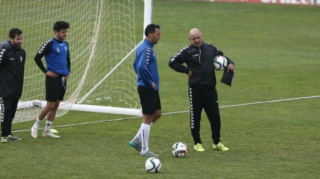 Claudio, junto a Migue, en un entrenamiento.