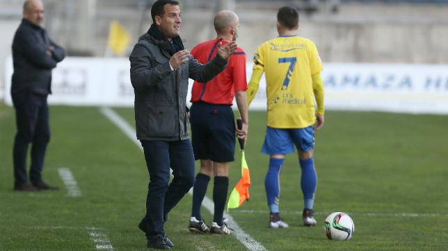 Paco García, entrenador de La Hoya, sacó una lectura positiva del empate de su equipo en el Carranza