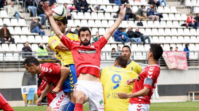 El Cádiz CF gozó de muchos balones parados en el día de ayer.