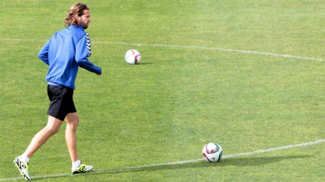 David Sánchez, en un entrenamiento en El Rosal.