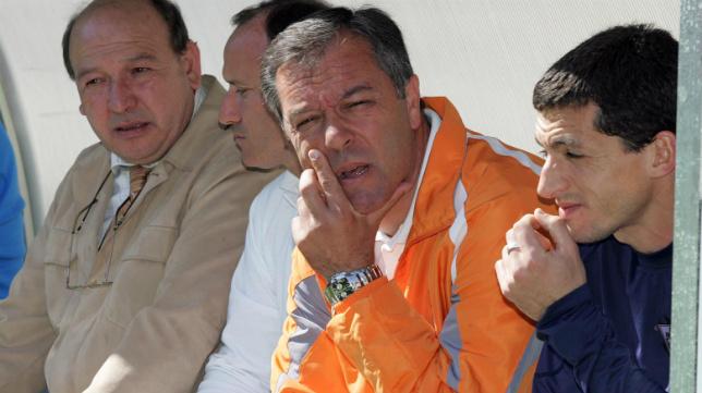 César Ferrando, en el banquillo del Albacete.