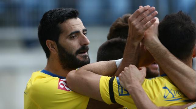 Güiza celebra el gol ante el Marbella.