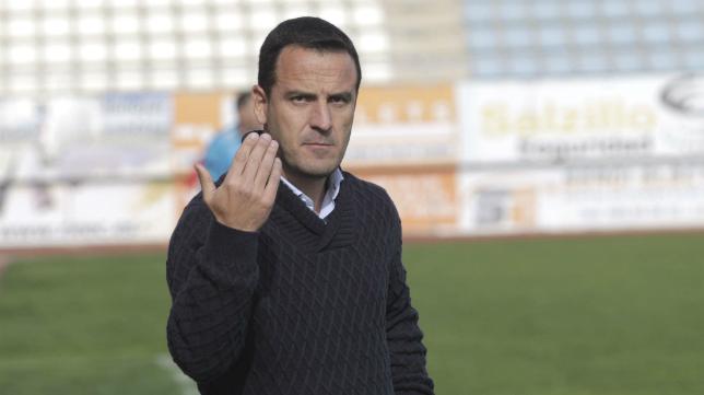 Paco García Ibáñez, entrenador de La Hoya Lorca.