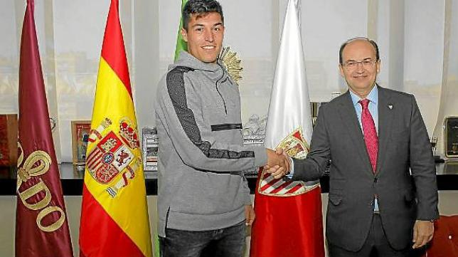 Juan Carlos Cordero quiere evitar que grandes promesas como Diego González abandonen el Cádiz CF