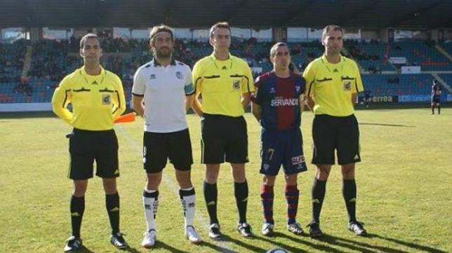 El colegiado cántabro López Toca nunca ha arbitrado al Cádiz CF en competición oficial. / Foto:www.salamanca24horas.com