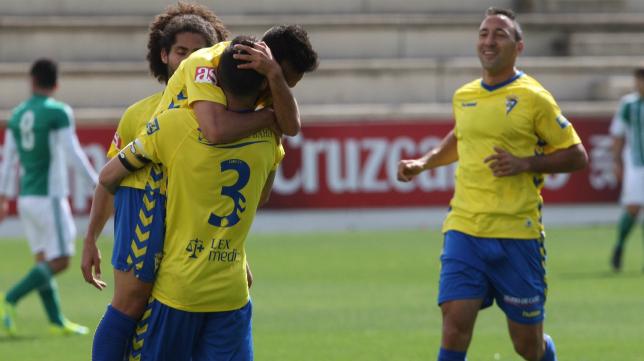 Los jugadores del Cádiz celebran un gol esta temporada
