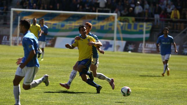 Jandro, en la imagen ante el Melilla, abrió el marcador en Utrera a los dos minutos