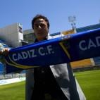 Quique Pina, posando en Carranza el día que fue anunciado gestor deportivo del Cádiz CF 2011/12.