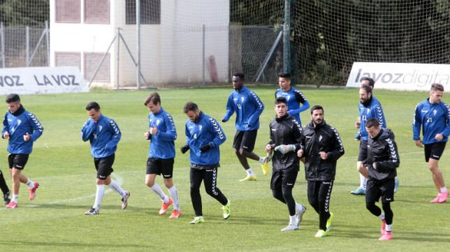 El Cádiz Cf en un entrenamiento en el Rosal
