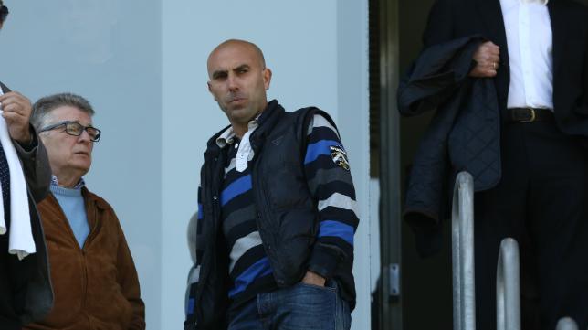 El Ceuta acusa a Raúl López, actual segundo entrenador del Cádiz CF B, de increpar a los seguidores locales.